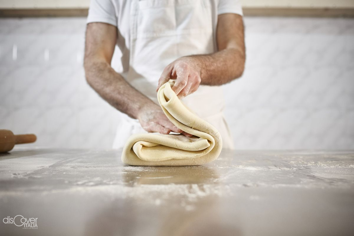 Artisanal pastries cuddling the five senses from Foiano di Val Fortore