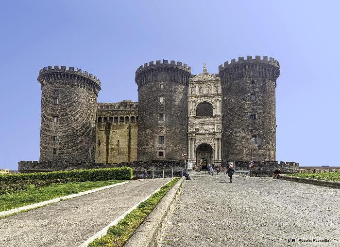 NAPOLI - Castel Nuovo…