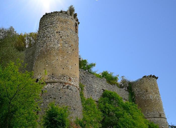 ALVIGNANO – il Castello…